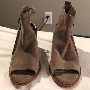Dolce vita block heels with zipper